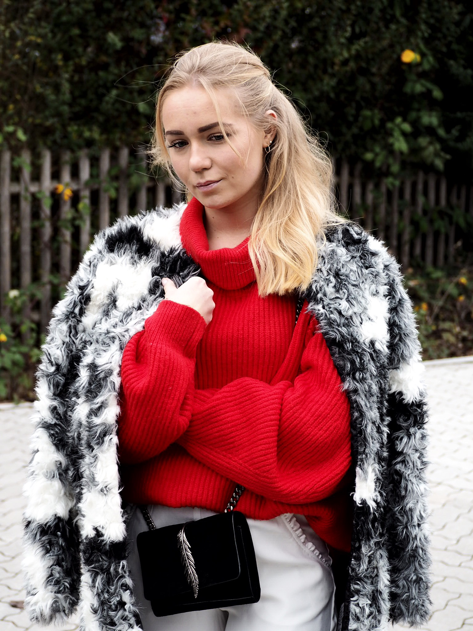 Outfit: Red jumper and white culottes